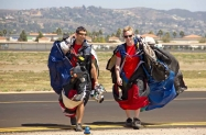 Skydivers (1)