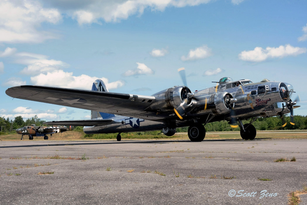 Sentimental_Journey_B-17_9635