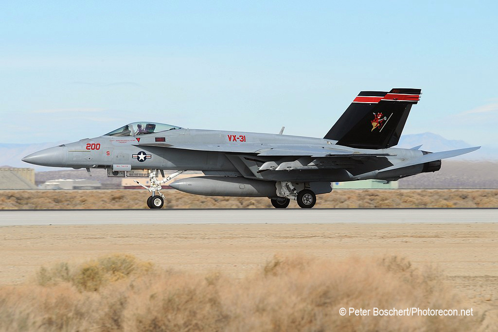 80 FA-18E_166871_VX-31_DD200_Edwards AFB