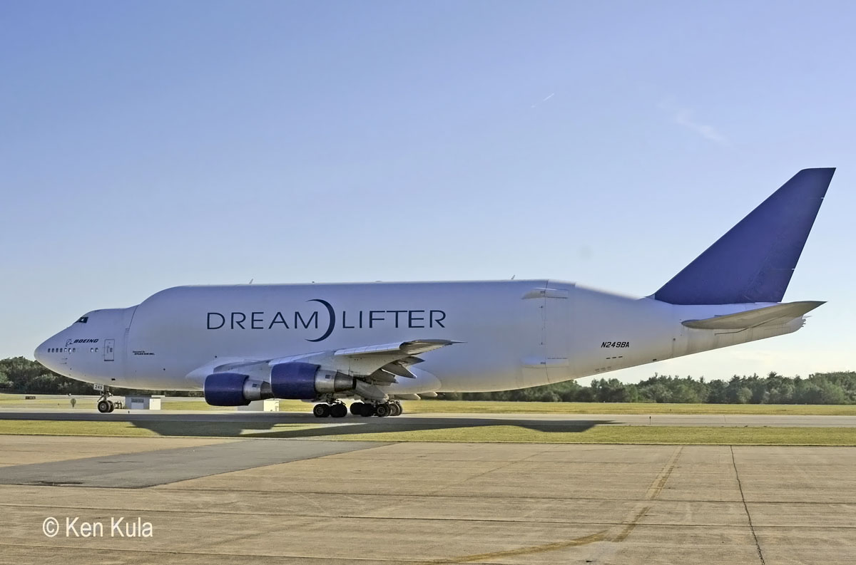 B747-409LCF  Boeing Large Cargo Freighter