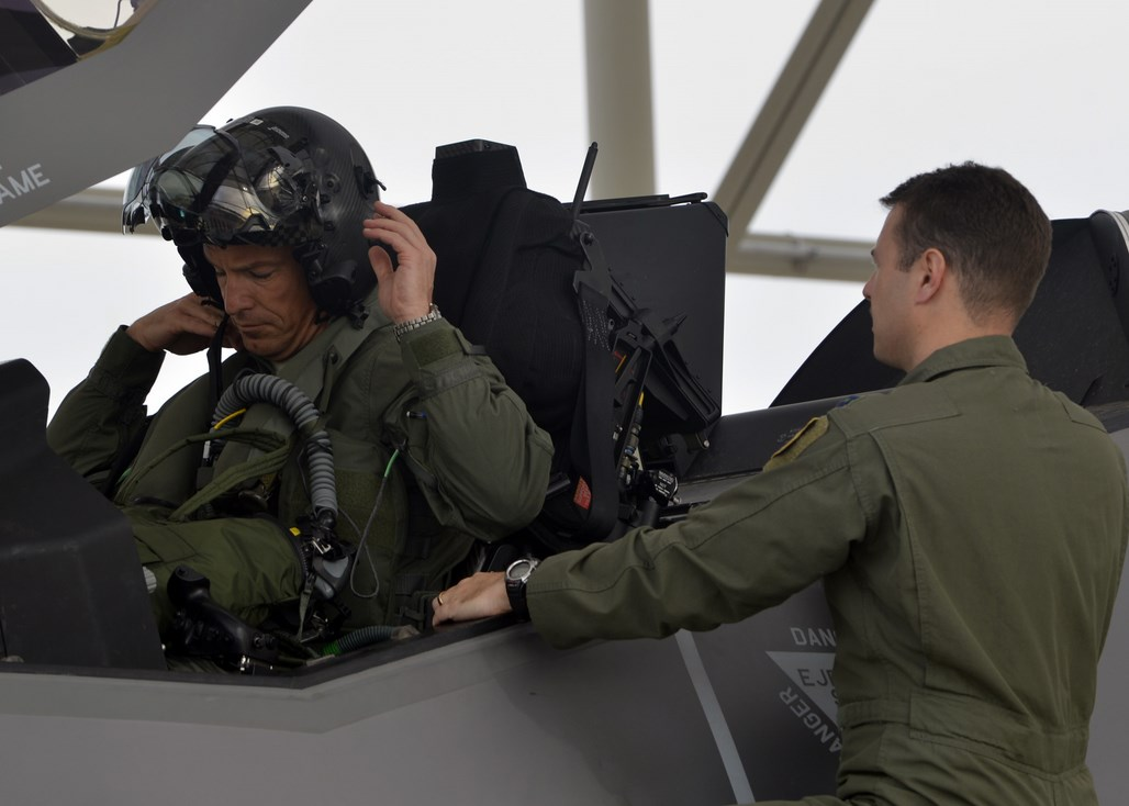 Gen Pleus F-35 Flight