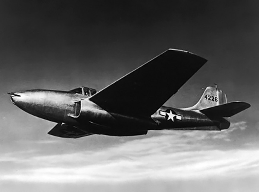 Bell_XP-59A_Airacomet_jet
