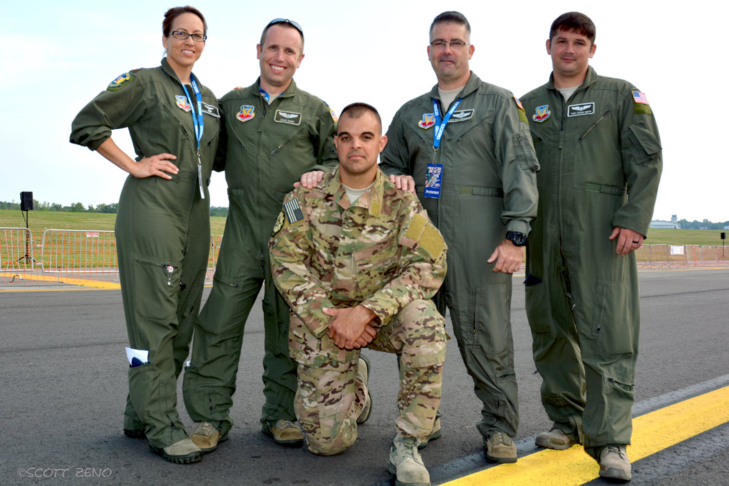 106th_Rescue_Wing_CSAR_Crew_9089