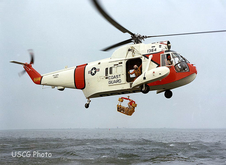 0 1024px-HH-52A_Seaguard_with_rescue_basket_1960s[1]