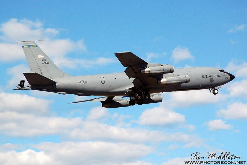This image has an empty alt attribute; its file name is KC-135E_580040_108ARW_KOQU_20070623_KenMiddleton_4x6_web_DSC_0507_PR-860x574.jpg