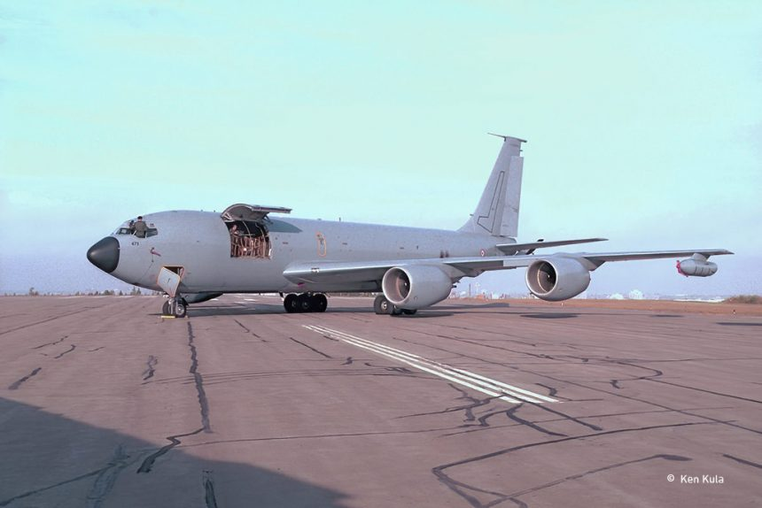 This image has an empty alt attribute; its file name is KC-135FR-860x574.jpg