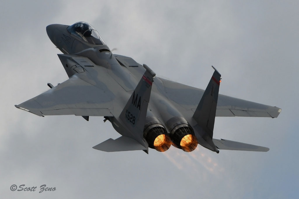Barnes_F-15_Eagle_3659