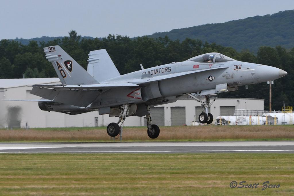 Barnes_USN_F-18_Demo_2932