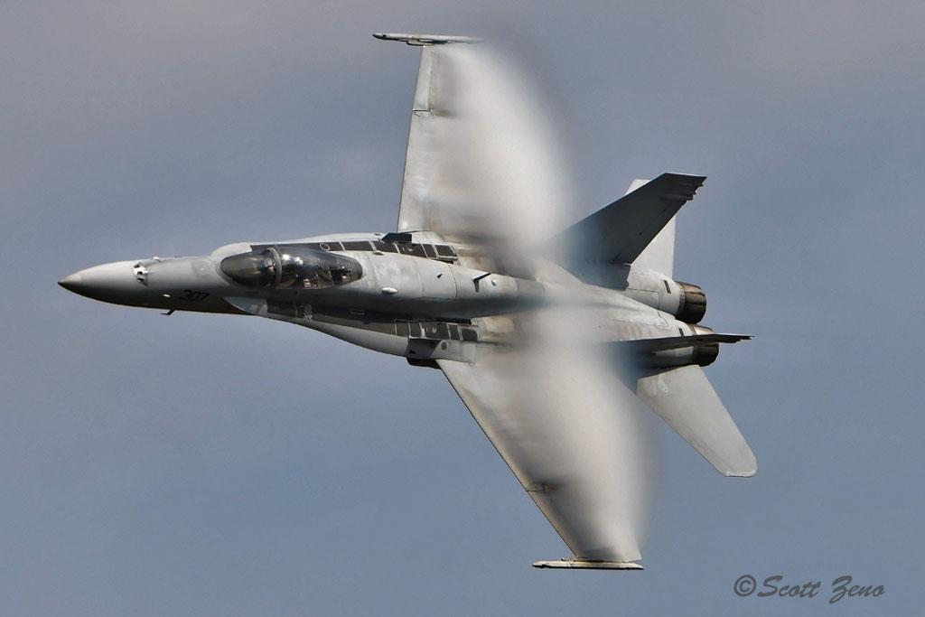 Barnes_USN_F-18_Demo_3164