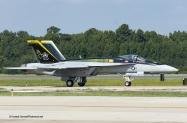Enhc F-18E VF-105 400-6869