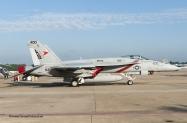 Enhc F-18E VFA-81 400 168909-7431
