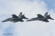 Enhc F-18F-VFA-32 refuel F-18E VFA-105-7486