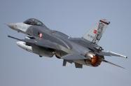 00_F-16C50+_07-1013_181Filo_01