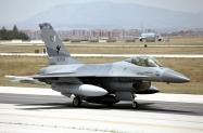 04_F-16AM_84703_PakAF_9Sqn_01
