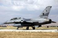 11_F-16BM_90614_PakAF_9Sqn_01