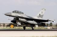 12_F-16BM_90614_PakAF_9Sqn_02