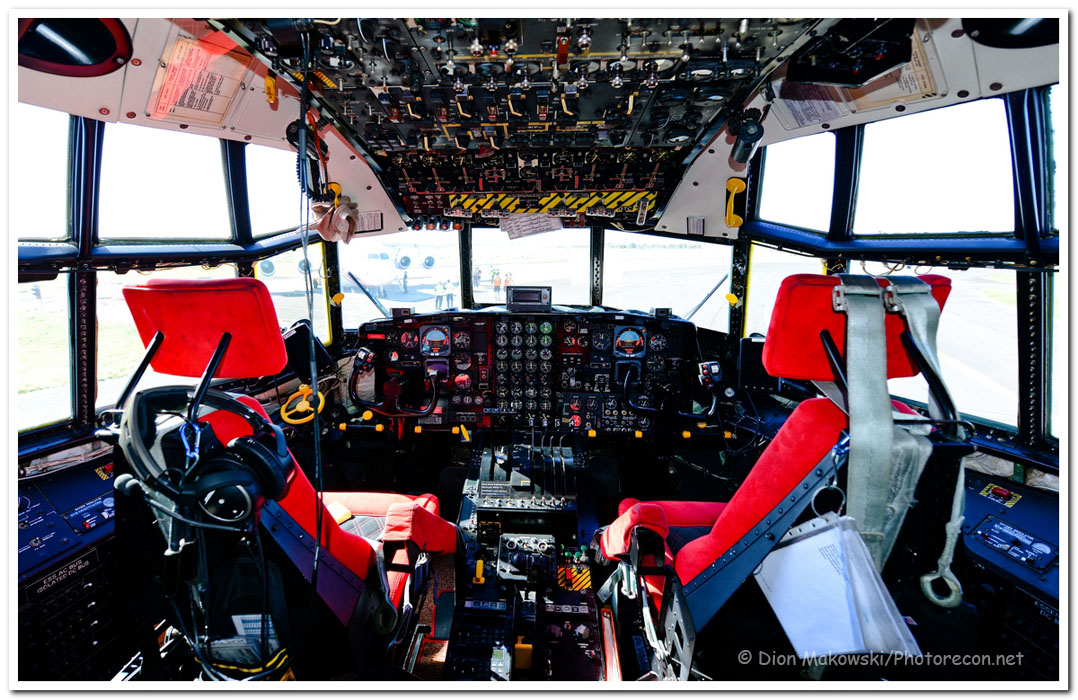 Flight deck of Hercules