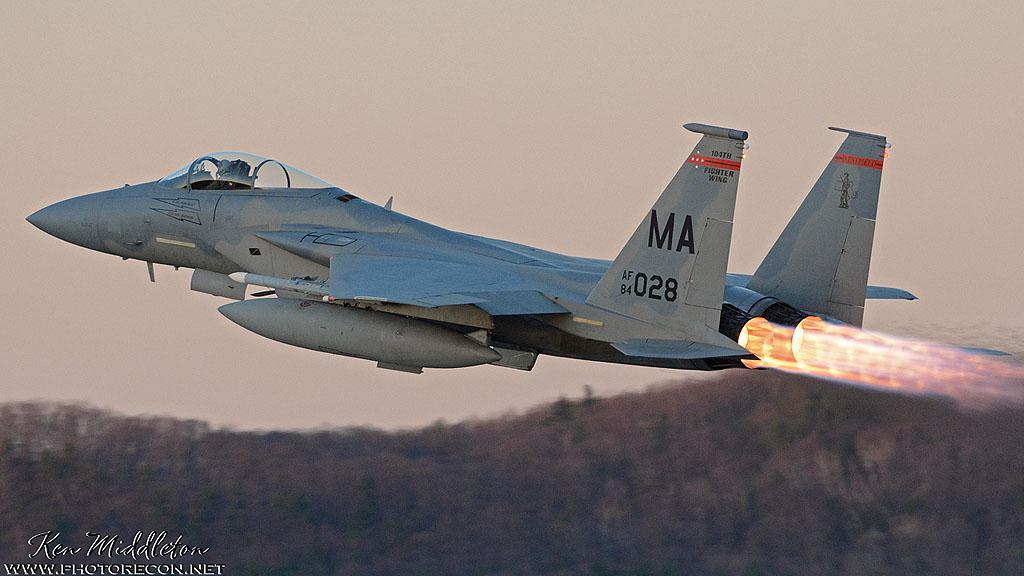 md F-15C_840028_KBAF_20150415_KenMiddleton_9x16_web_DSC_4024_PR[1] (2)