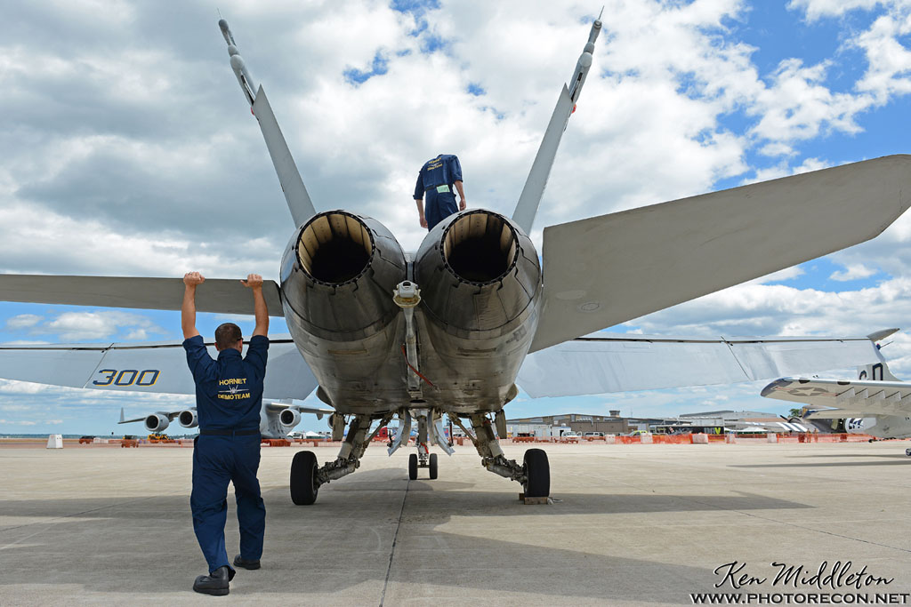 F-18C_163506_KOQU_20160610_KenMiddleton_4x6_web_DSC_3778_PR