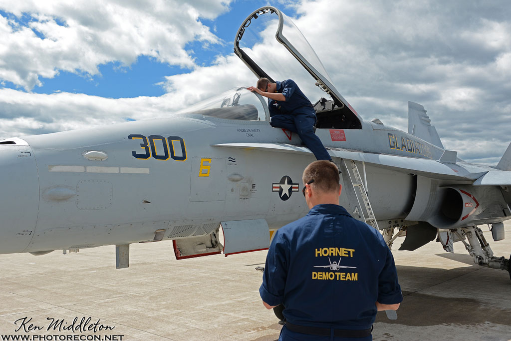 F-18C_163506_KOQU_20160610_KenMiddleton_4x6_web_DSC_3783_PR