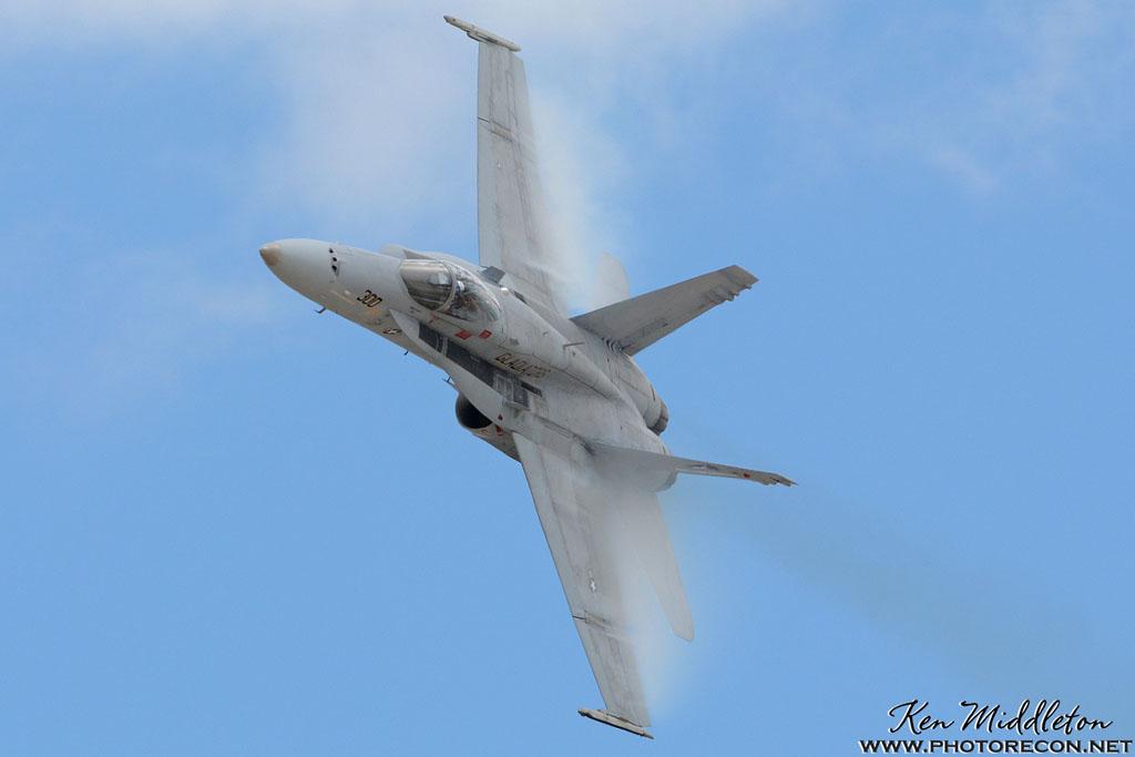 F-18C_163506_KOQU_20160610_KenMiddleton_4x6_web_DSC_9381_PR
