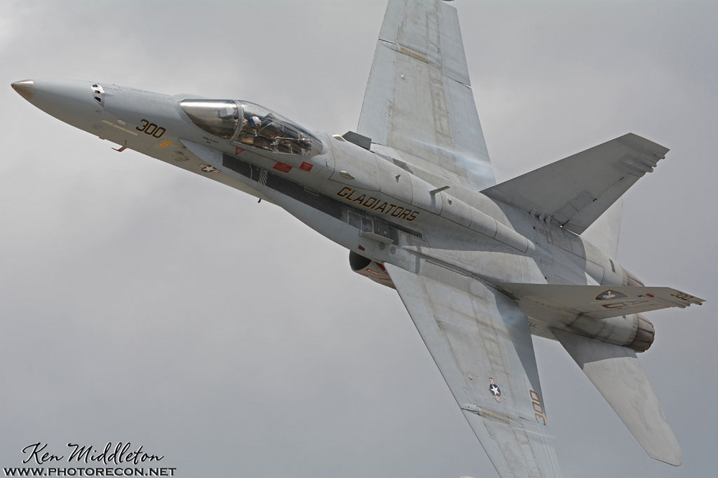 F-18C_163506_KOQU_20160610_KenMiddleton_4x6_web_DSC_9385_PR