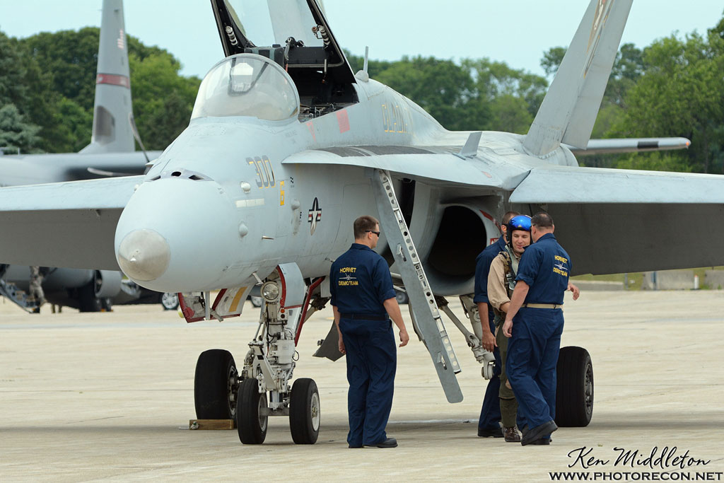 F-18C_163506_KOQU_20160611_KenMiddleton_4x6_web_DSC_0278_PR