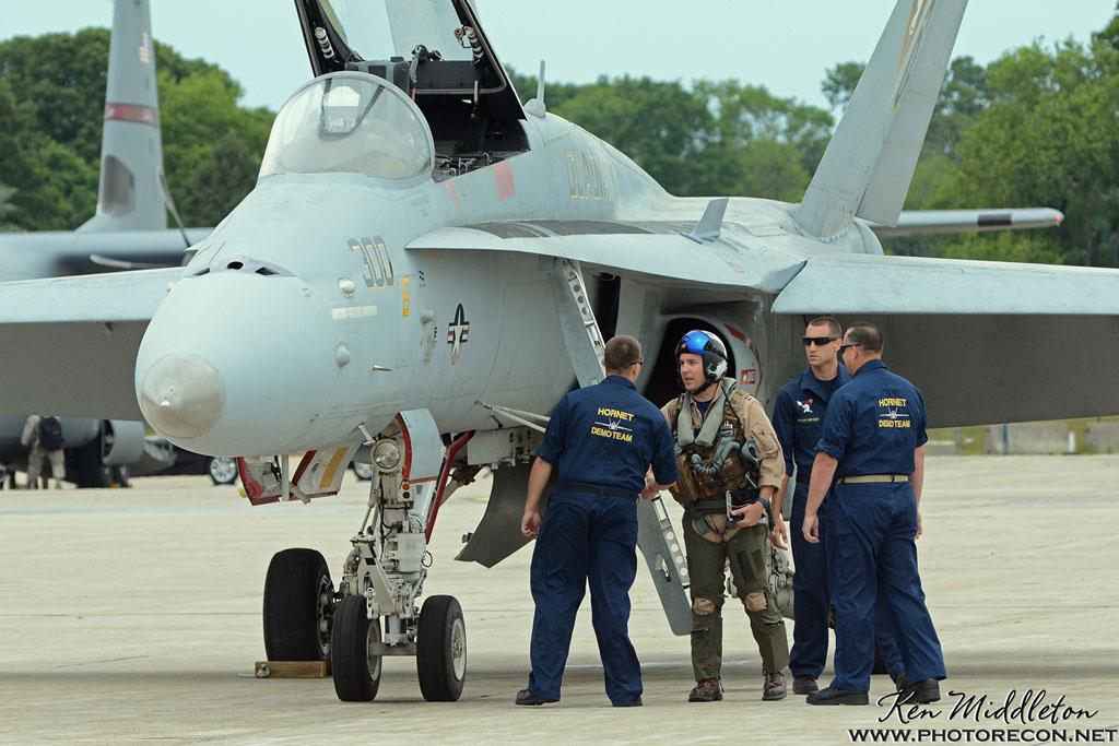 F-18C_163506_KOQU_20160611_KenMiddleton_4x6_web_DSC_0279_PR