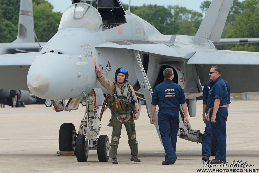 F-18C_163506_KOQU_20160611_KenMiddleton_4x6_web_DSC_0282_PR