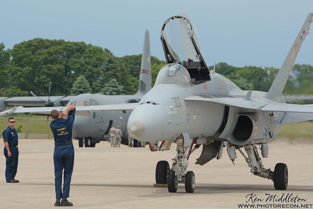 F-18C_163506_KOQU_20160611_KenMiddleton_4x6_web_DSC_0303_PR