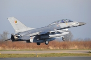 8 Belgium_F-16BM_FB23_2