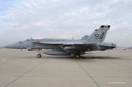 24-FA-18E_166820_VFA-136_AB300_2