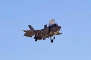 F-35B hover (2)