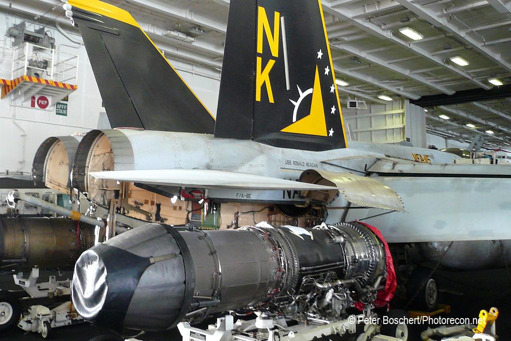 07 FA-18E_165781_VFA-115_NK200_USS Ronald Reagan_CVN-76_General Electric F414
