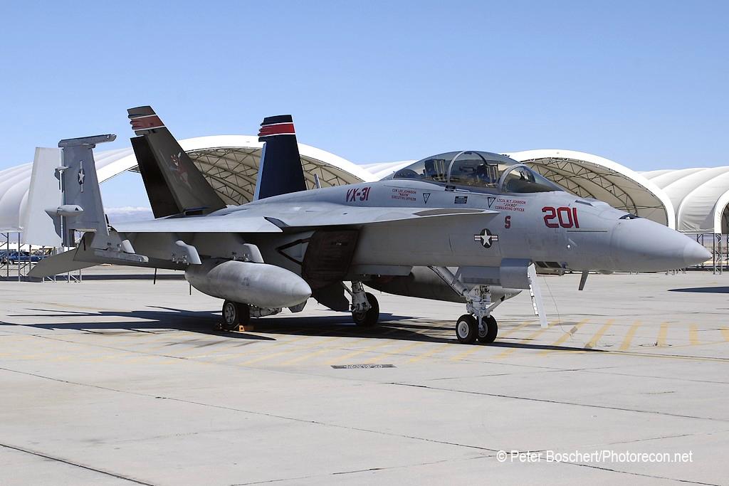 105 FA-18F_165668_VX-31_201_NAS Lemoore