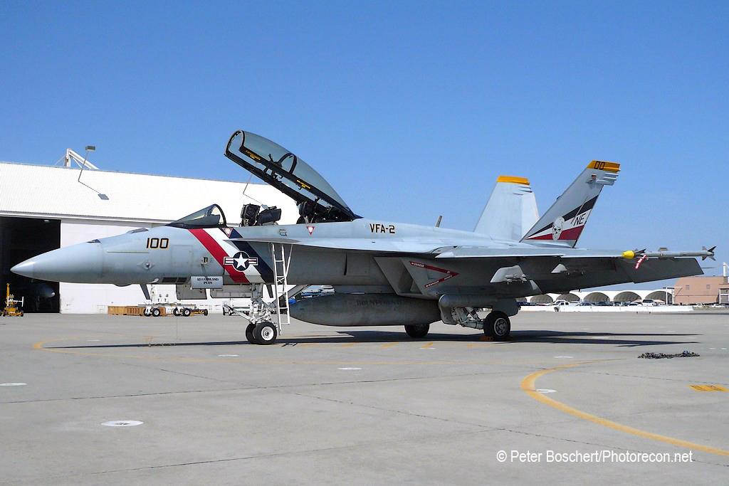 115 FA-18F_165916_VFA-2_NE100_NAS Lemoore_2
