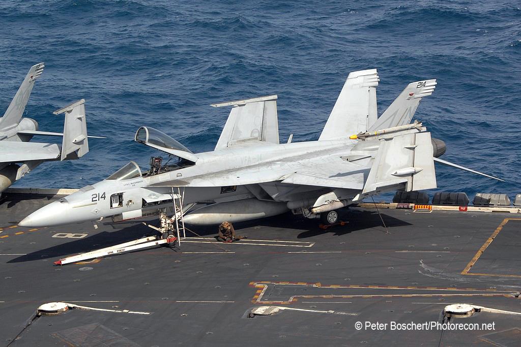 121 FA-18F_166422_VFA-14_NH214_USS Nimitz_CVN-68