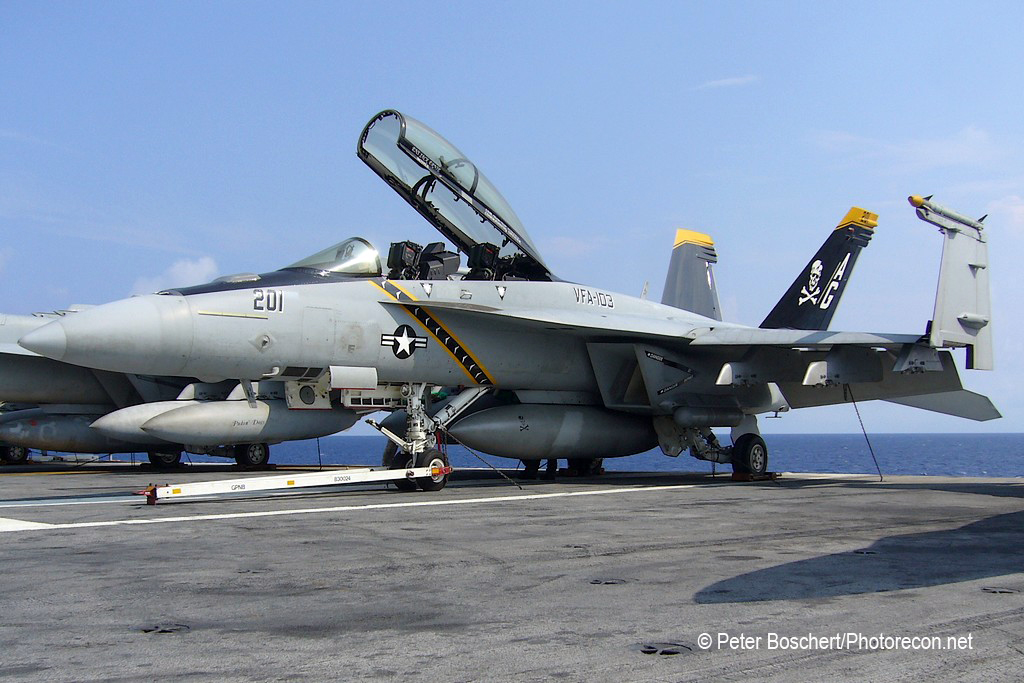 140 FA-18F_166621_VFA-103_AG201_Dwight D Eisenhower_CVN-69_4