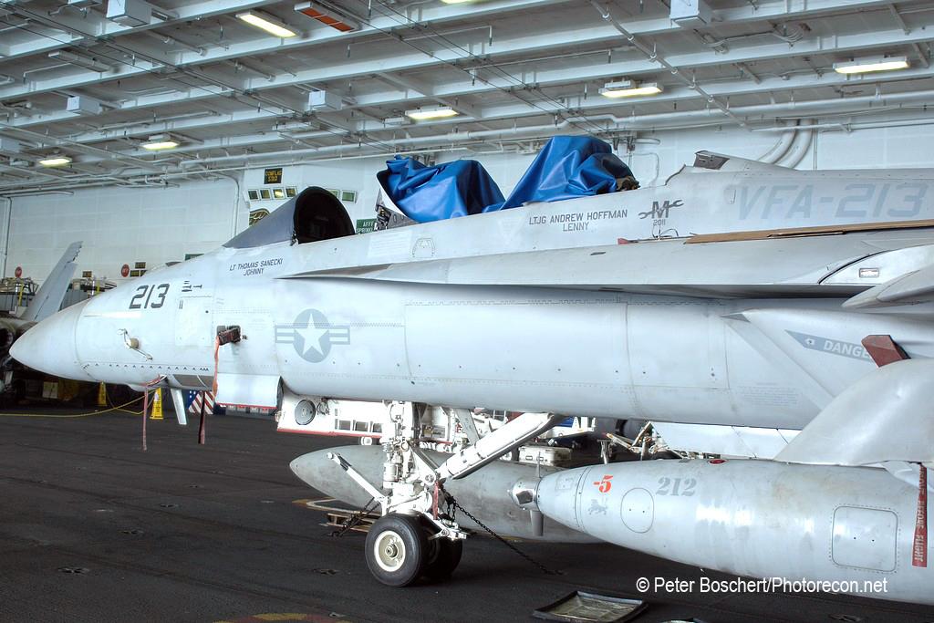 164 FA-18F_166639_VFA-213_AJ213_USS George HW Bush