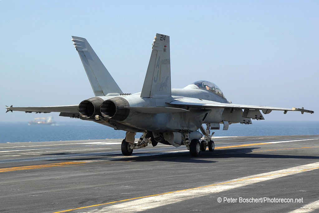 165 FA-18F_166640_VFA-213_AJ214_USS George HW Bush_CVN-77