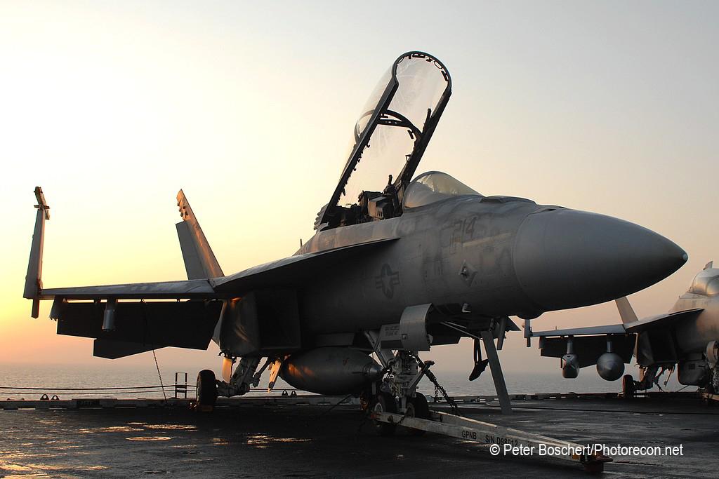 166 FA-18F_166640_VFA-213_AJ214_USS George HW Bush_CVN-77_2