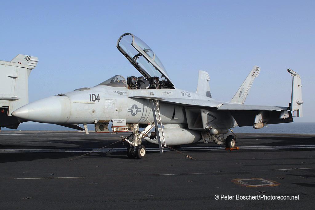 179 FA-18F_166665_VFA-32_AC104_USS Harry S Truman