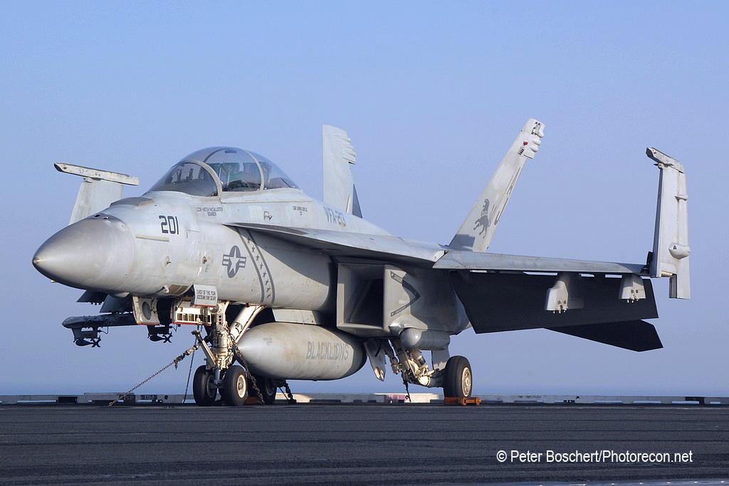 184 FA-18F_166674_VFA-213_AJ201_USS George HW Bush_CVN-77