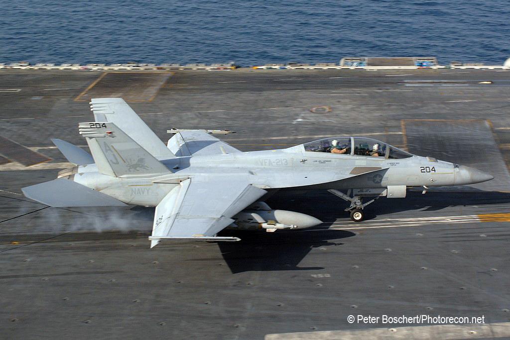 186 FA-18F_166682_VFA-213_AJ204_USS George Bush_CVN-77