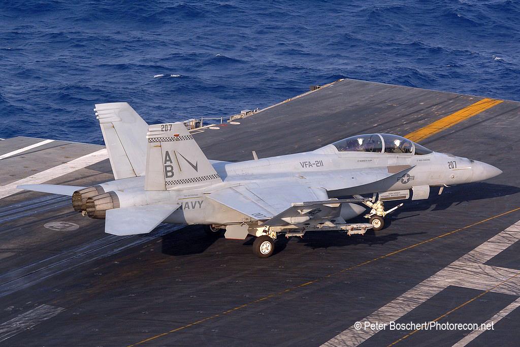 200 FA-18F_166809_VFA-211_AB207_USS Enterprise_CVN-65