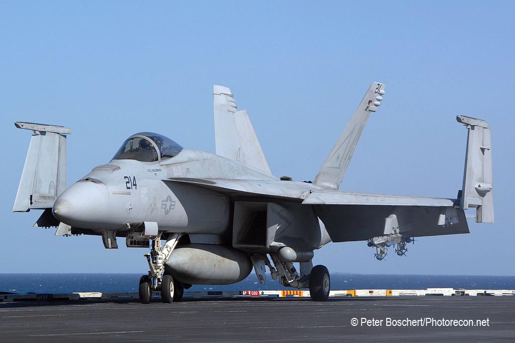 21 FA-18E_166422_VFA-14_NH214_USS Nimitz_CVN-68_2