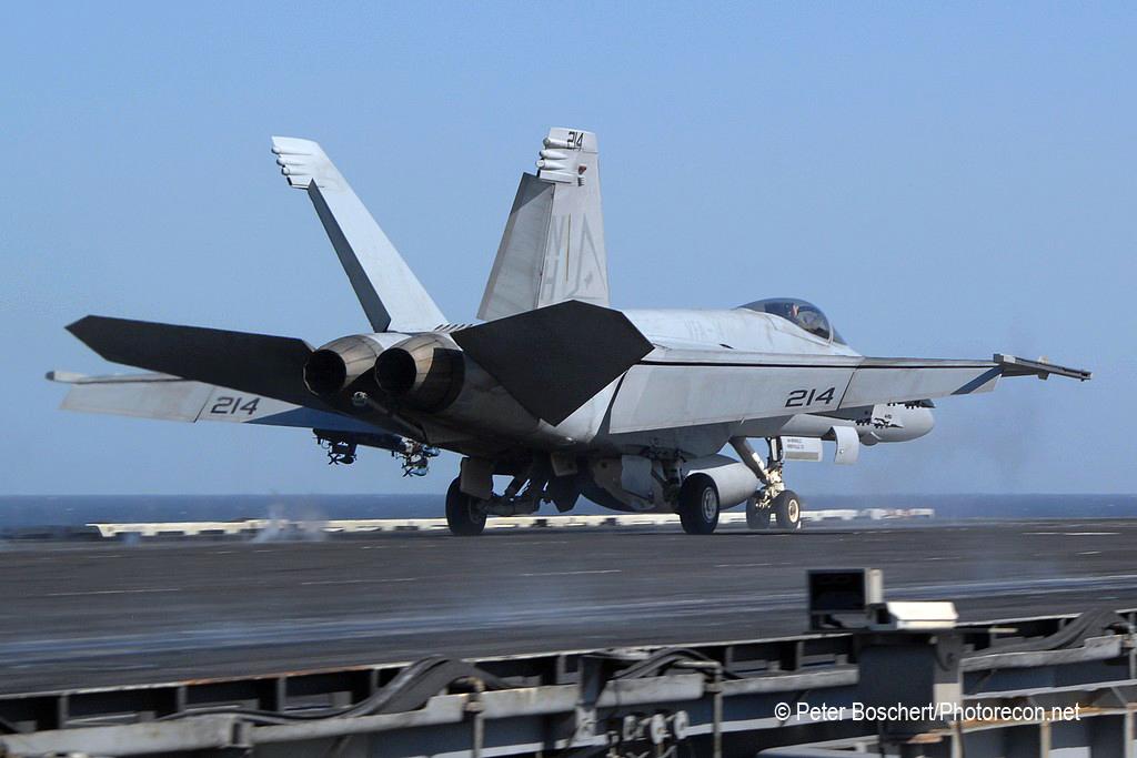 23 FA-18E_166422_VFA-14_NH214_USS Nimitz_CVN-68_4