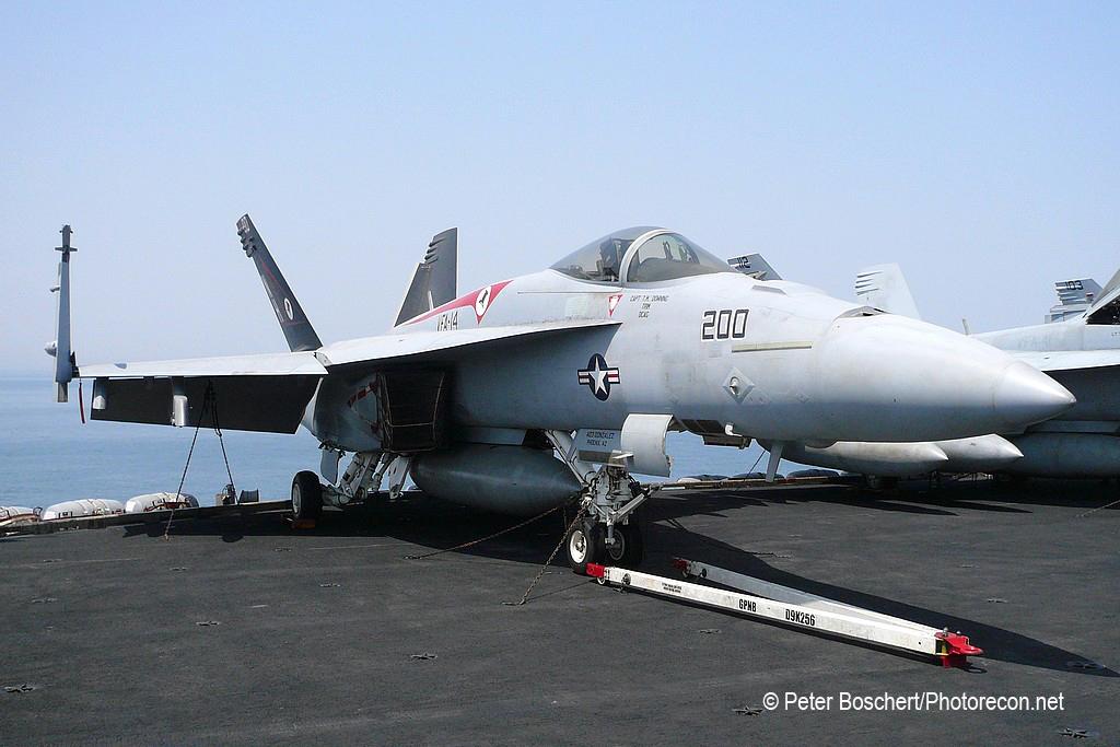 28 FA-18E_166434_VFA-14_NH200_USS Nimitz_CVN-68_2