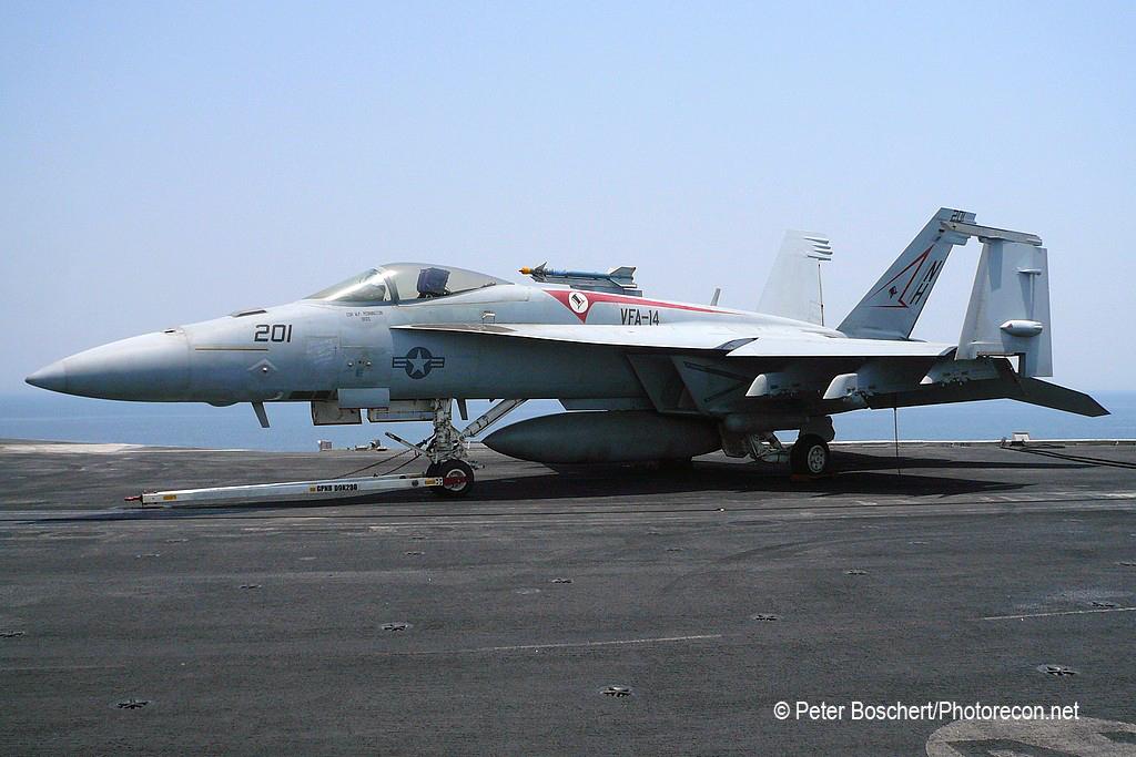 32 FA-18E_166435_VFA-14_NH201_USS Nimitz_CVN-68_2