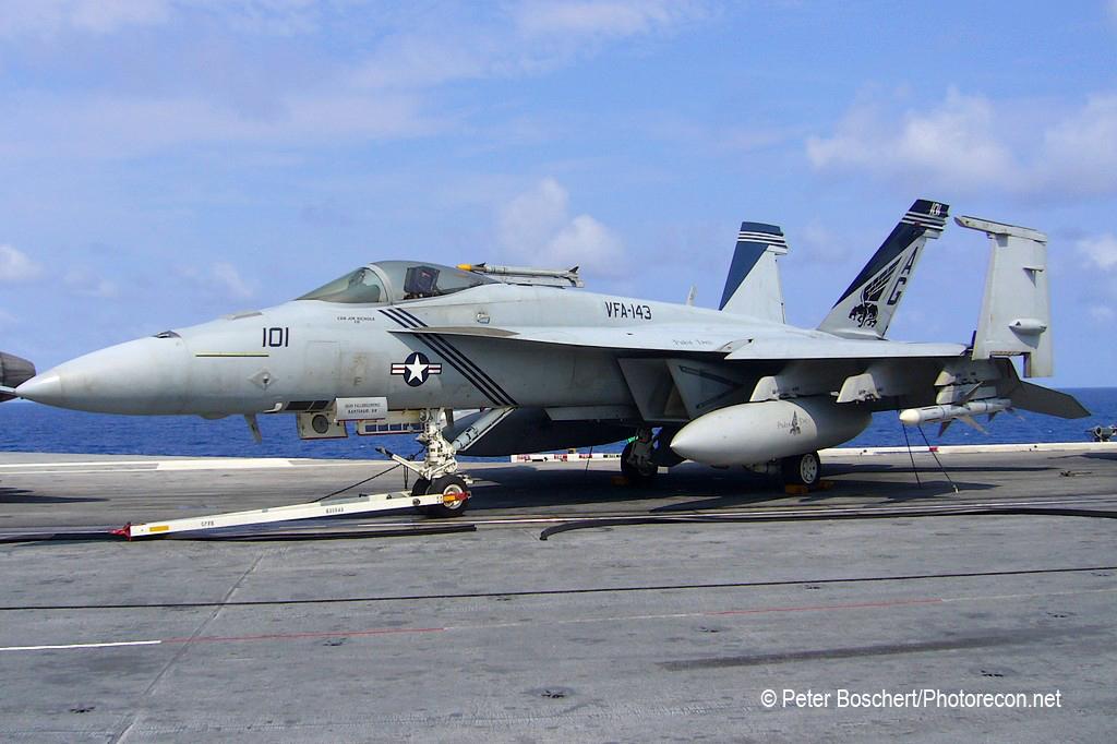 44 FA-18E_166609_VFA-143_AG101_Dwight D Eisenhower_CVN-69_2